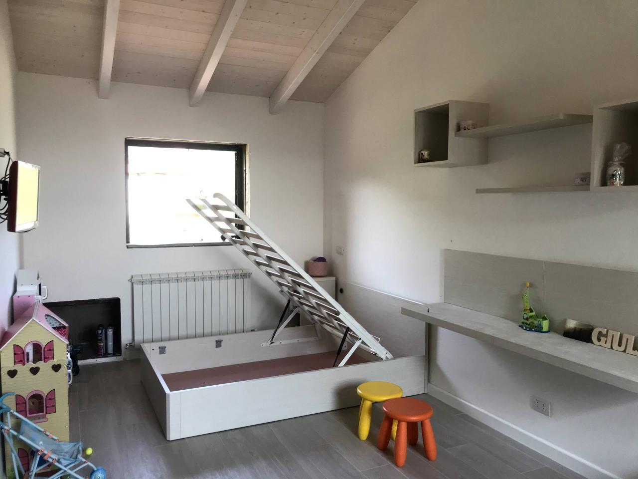 Serre Solari Umbria interni casa